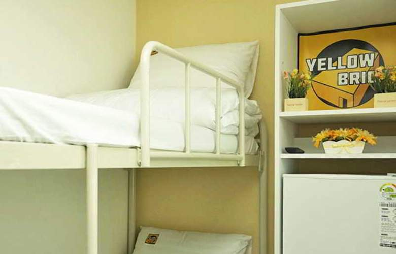 Yellow Brick Hotel 1 - Room - 8