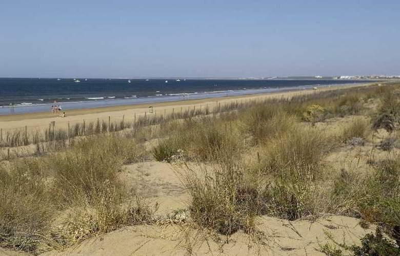 Leo Punta Umbría - Beach - 15