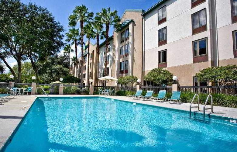 Holiday Inn Express Brandon Tampa - Pool - 21