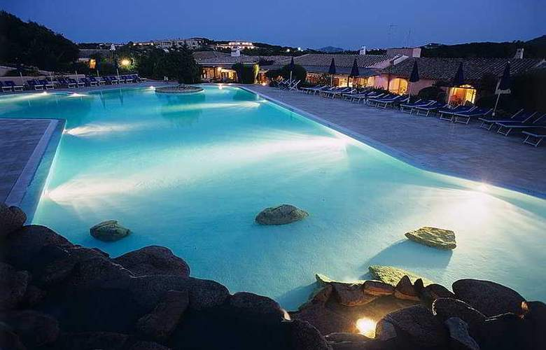 Colonna Resort Country & Sporting Club - Pool - 7