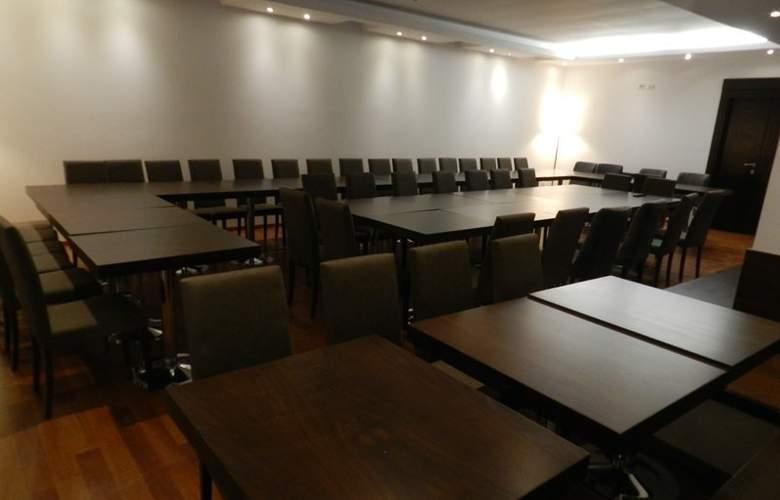 Kotoni - Conference - 1