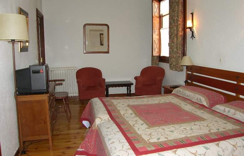 Conde Aznar - Room - 3