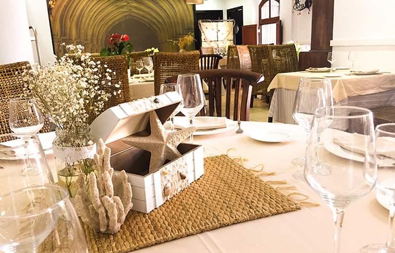 Santuario San José - Restaurant - 2