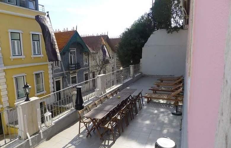 Equity Point Lisboa Hostel - Terrace - 4