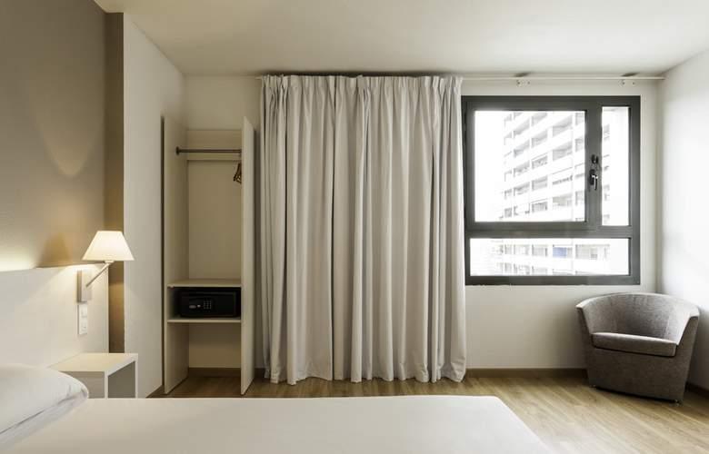Ilunion Valencia 3 - Room - 6