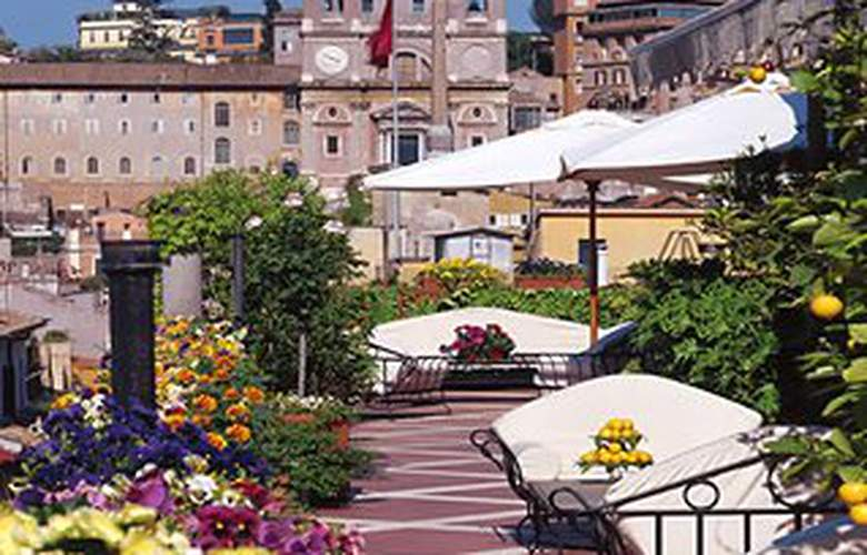 Grand Hotel Plaza - Terrace - 4