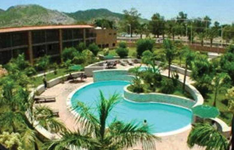 Colonial Hermosillo - Pool - 1
