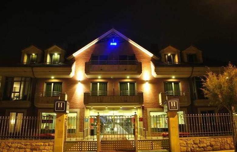 Maritimo Ris Apartamentos - Hotel - 15