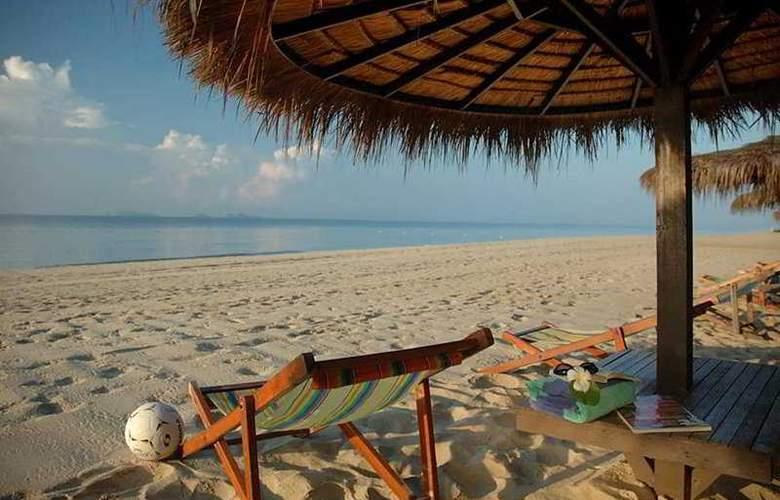 Novotel Rim Pae Rayong - Beach - 6