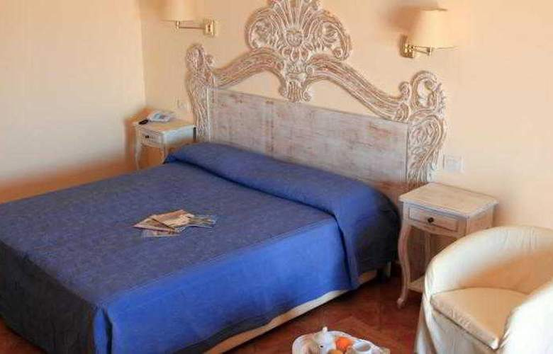 Alessandro - Room - 8