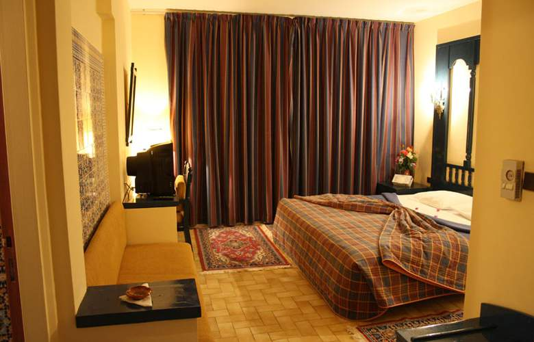 Karam Palace - Room - 11