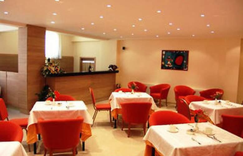 Apeiron Hotel - Restaurant - 4