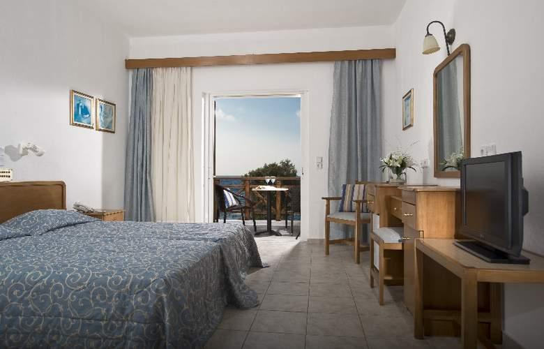 Maritimo Beach Hotel - Room - 5