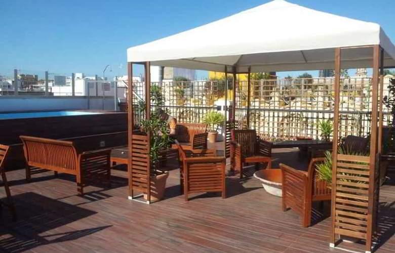 Oasis Backpackers Palace Sevilla - Terrace - 2
