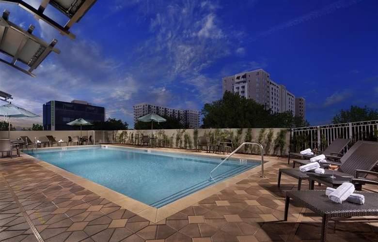 Best Western Premier Miami International Airport - Pool - 76