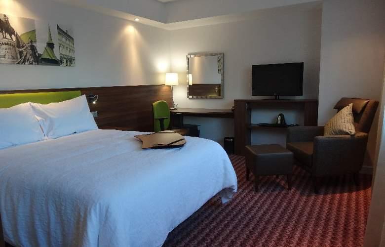 Hampton by Hilton Cluj-Napoca - Room - 10