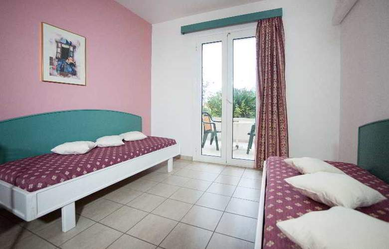 Theoni Apartments - Room - 7
