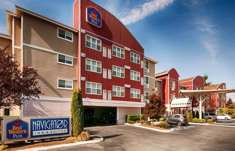 Best Western Plus Navigator Inn & Suites - Hotel - 1