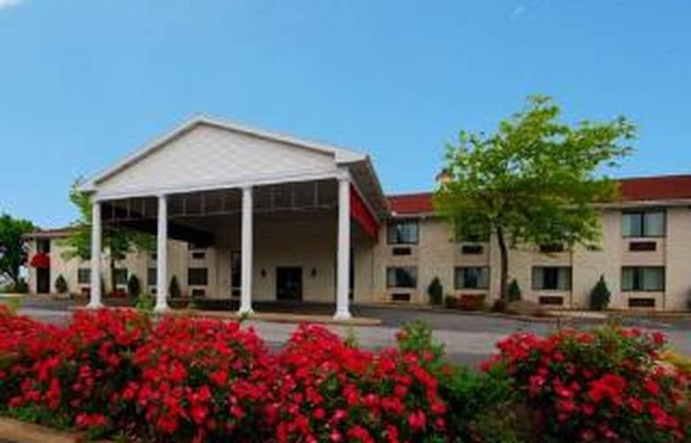 Quality Inn Cedar Point South - Hotel - 0