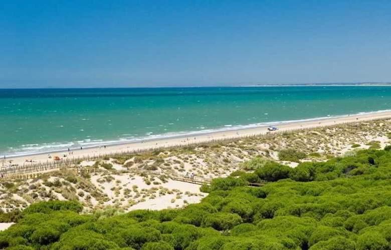 Leo Punta Umbría - Beach - 11