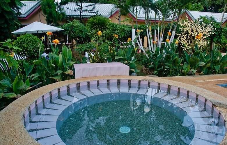 Deep Forest Garden Hotel - Sport - 5