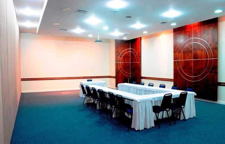 Ambassador Residence Hotel - Conference - 13