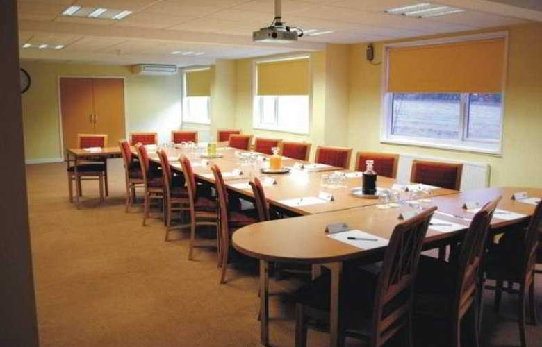 Days Inn Charnock Richard - Conference - 1