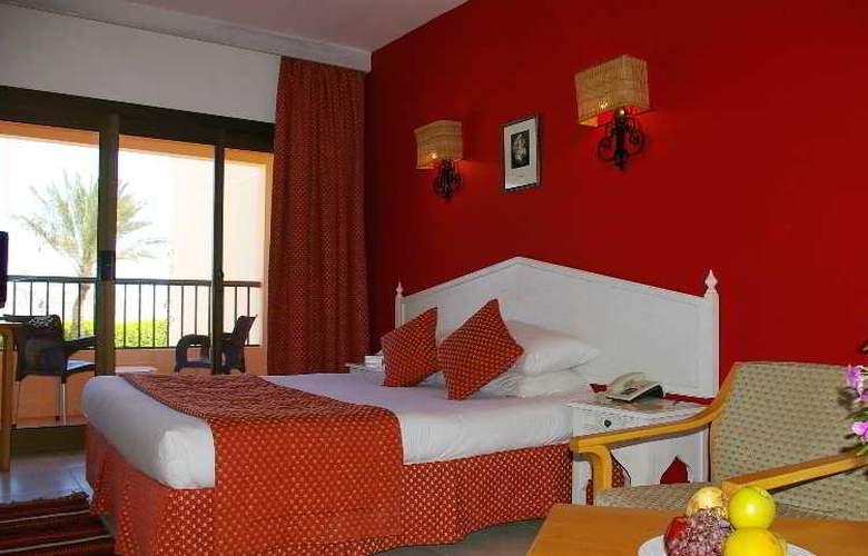 Flamenco Beach Resort - Room - 13