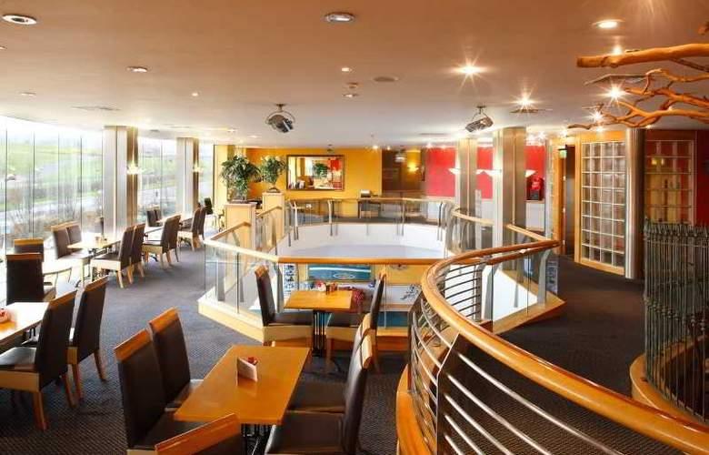 The Plaza Hotel Tallaght - Bar - 2