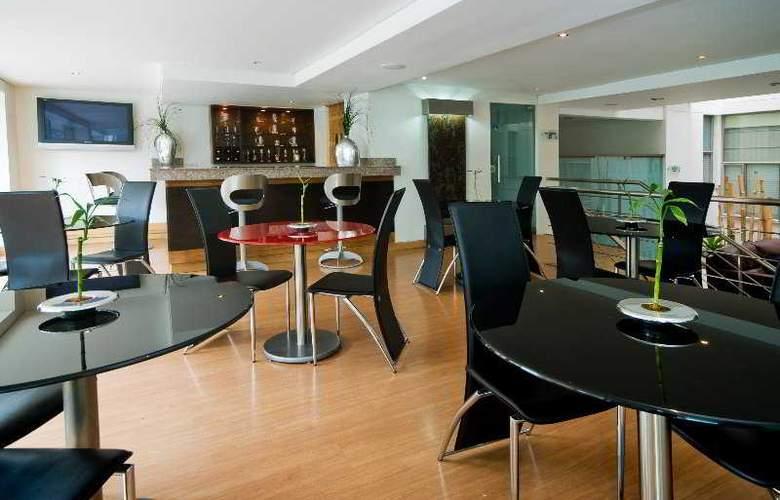 Hotel Lincoln - Bar - 4