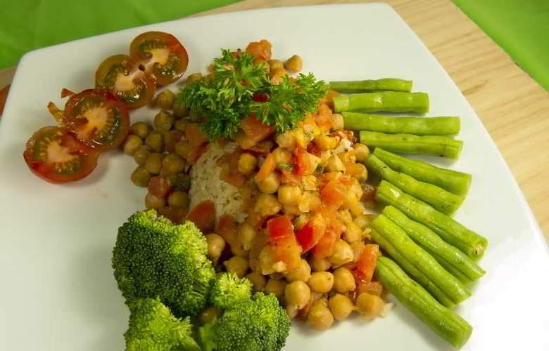 GreenLagoon Wellbeing Resort - Restaurant - 29