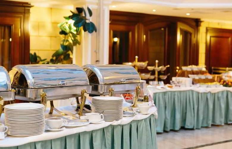 Grand Hotel Emerald - Restaurant - 4