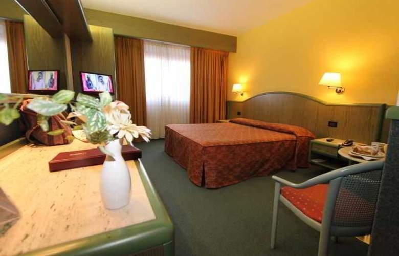ALFA FIERA HOTEL - Room - 1