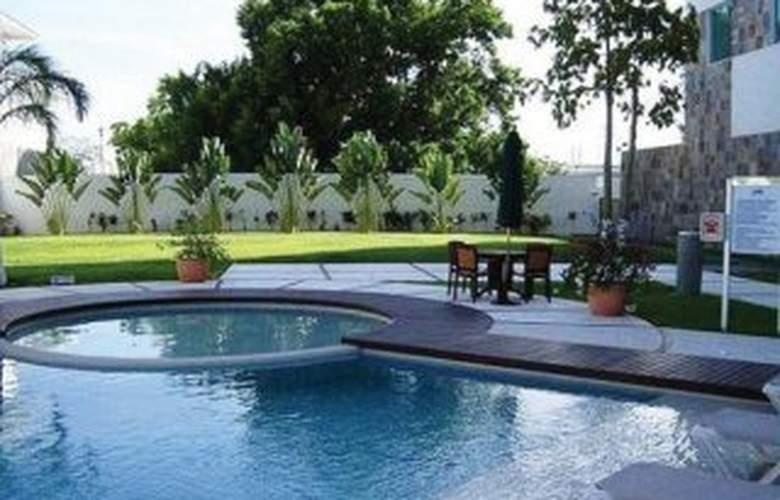 Holiday Inn Express Villahermosa - Pool - 7