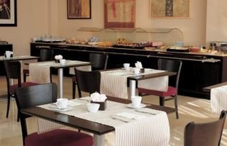 NH San Sebastian de los Reyes - Restaurant - 8