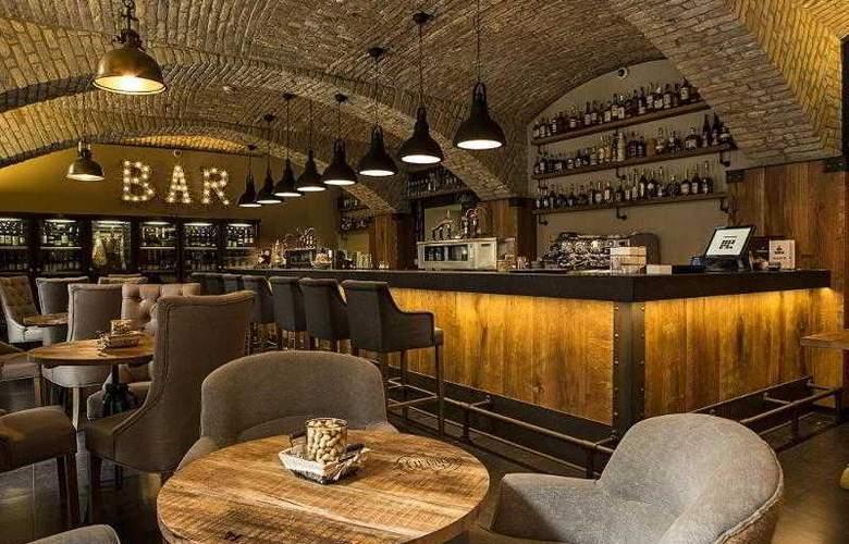 LOFT Bratislava - Bar - 14