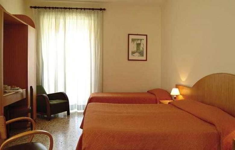 Del Corso - Room - 2