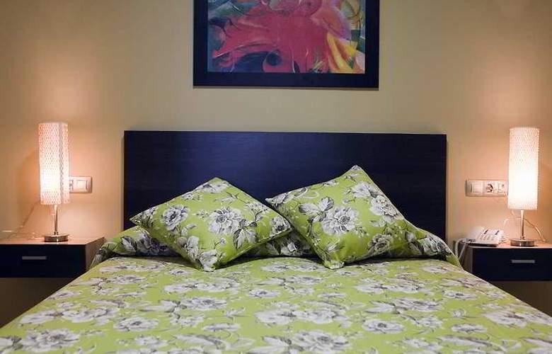 Conilsol Hotel y Aptos - Room - 0
