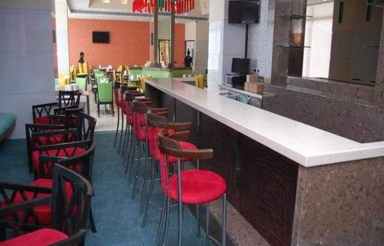 Hometel Harinagar - Bar - 2