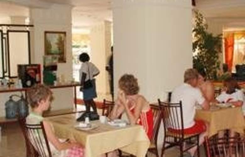 Club Dorado Hotel - Restaurant - 7