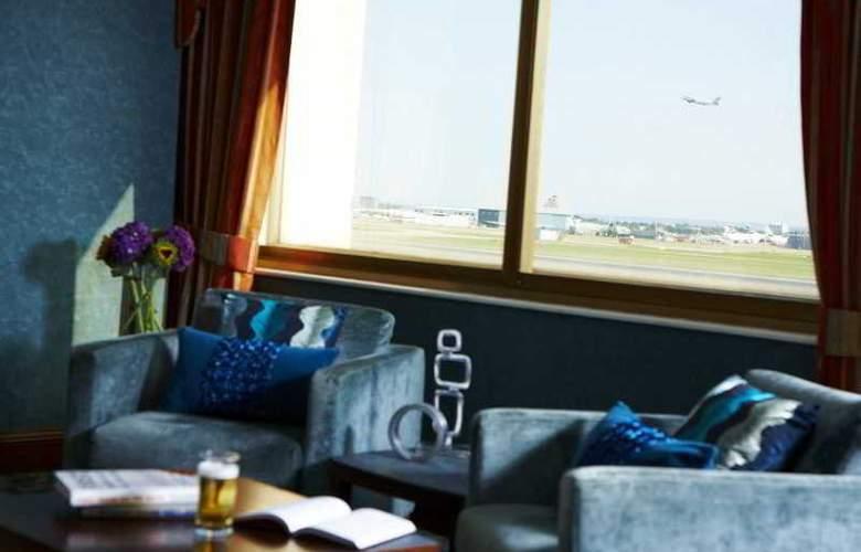Renaissance London Heathrow - Hotel - 7