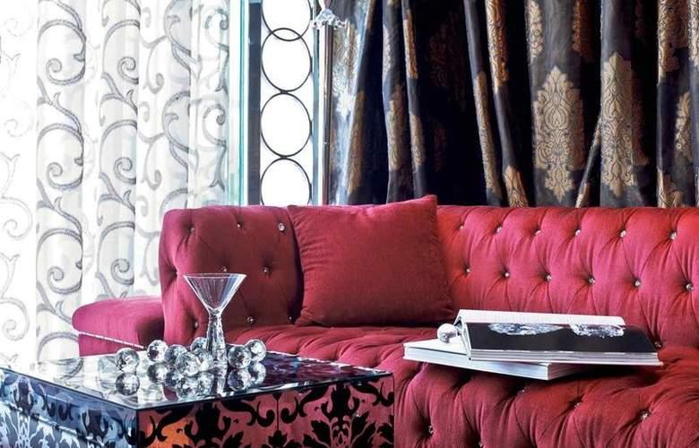 Sofitel Hotel Mumbai - Bar - 31