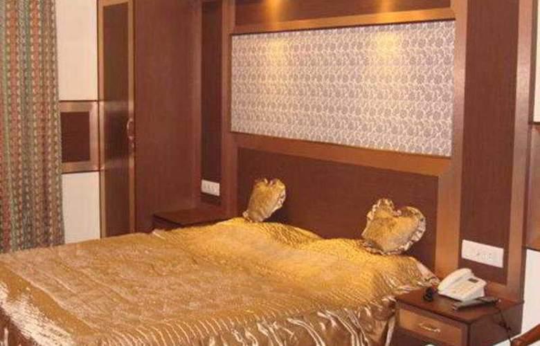 Hotel Rama Deluxe - Room - 1
