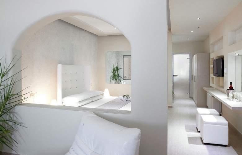 Splendour Resort - Room - 4