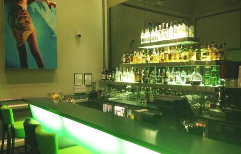 Hotel du Vin & Bistro Wimbledon - Bar - 17