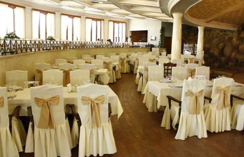 Caucasus - Restaurant - 5