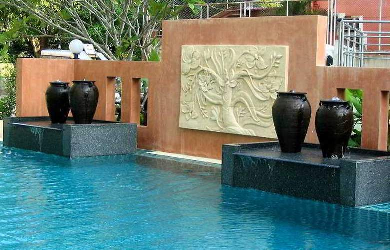 Crown Pattaya Beach - Pool - 7