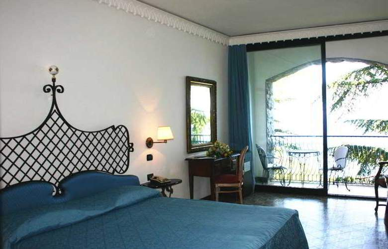 Il Saraceno Grand Hotel - Room - 11