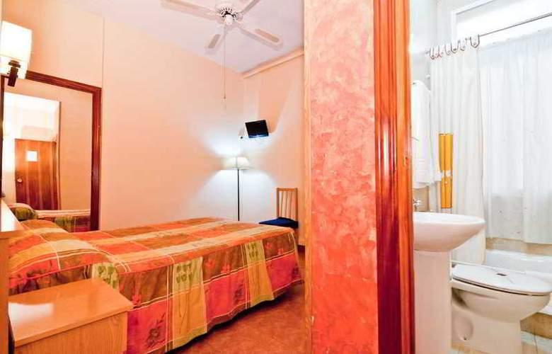 Oporto - Room - 24
