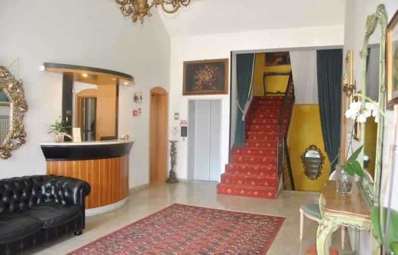 Esedra - Hotel - 1